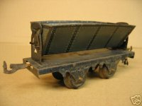 Bing Railway-Freight Wagons Tipping car #10/515 with four...