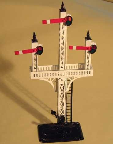 Bing Railway-Signals Floor signal #10/640 on black square base with white mast (t