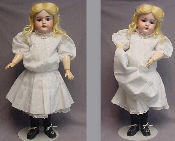 Handwerck Heinrich Dolls Doll was made for export. This beauty has an antique human h