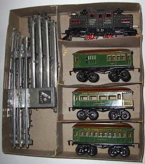 Bing Railway-Trains Railroad set with electric locomotive and three passenger ca