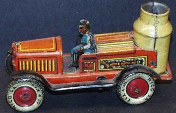 Rico Tin-Fire-Truck Steam fire Engine with driver, made of lithographed tin
