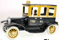 Bing Tin-Oldtimer Limousine with taxi painting with...