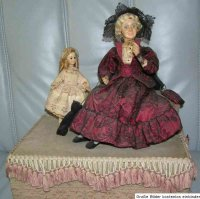 Unknown Tin-Automata Doll automat with 2 dolls which...