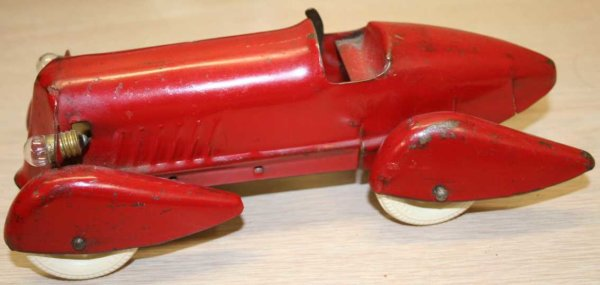Wyandotte Tin-Race-Cars Pressed steel race car in red, futuristic-looking fender ski