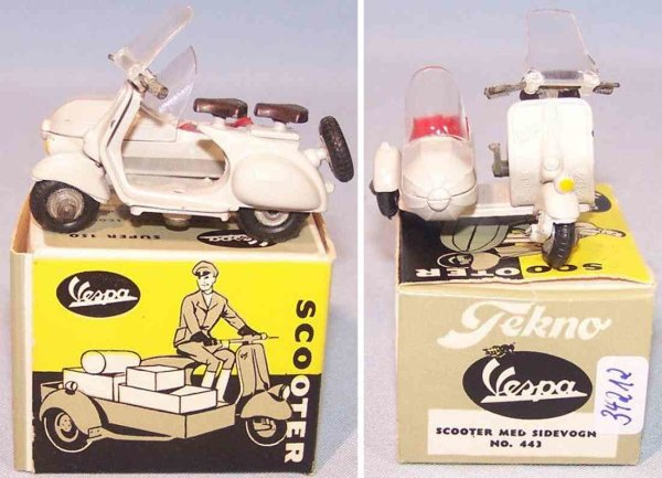 Tekno Cast-Iron-Motorcycles Vesper scooter  with sidecar and original box, made of die-c