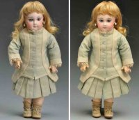 Jumeau Dolls Bisque socket head bébé doll, incised 6 made...