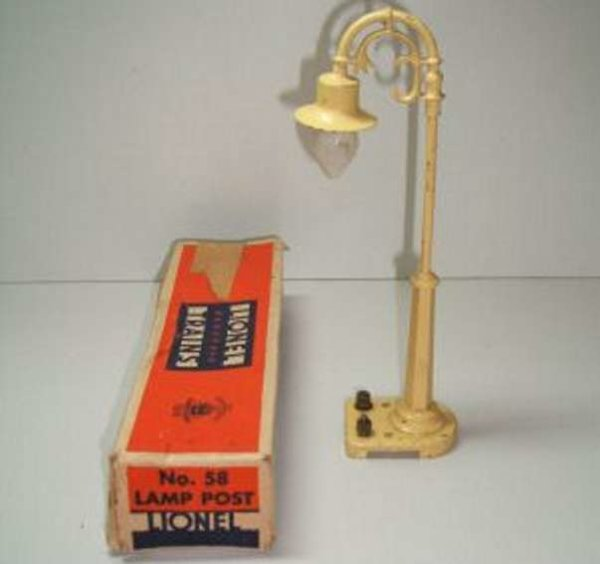 Lionel Railway-Lamps/Lanterns Metal and cast lamp post 58.4 , in different colours of cast