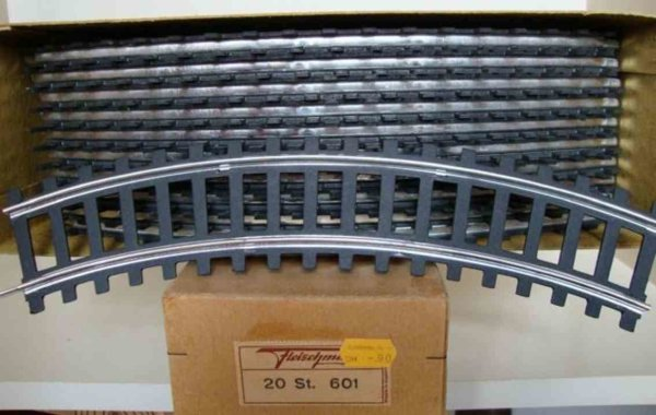 Fleischmann Railway-Rails/Power 20 curved rails No. 601