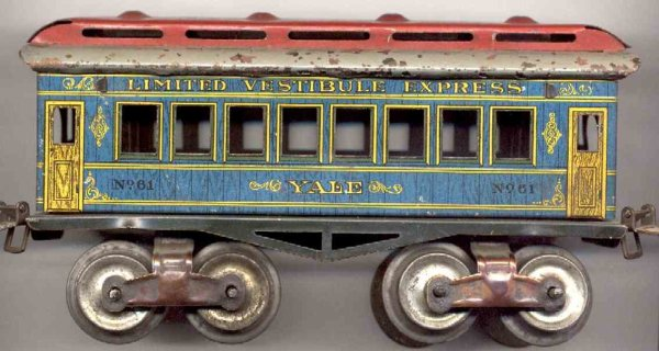 Ives Railway-Passenger Cars Passenger car; 4-axis, lithographed, tin wheels, roof with 4