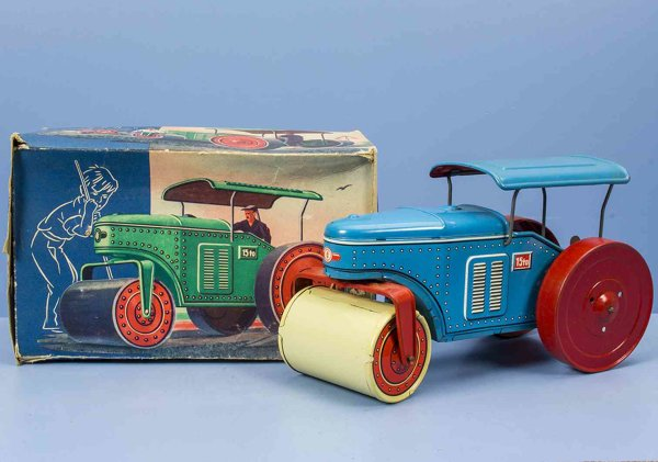 Tippco Tin-Tugs/Rollers Street roller green or greywith clockwork, goes forward and