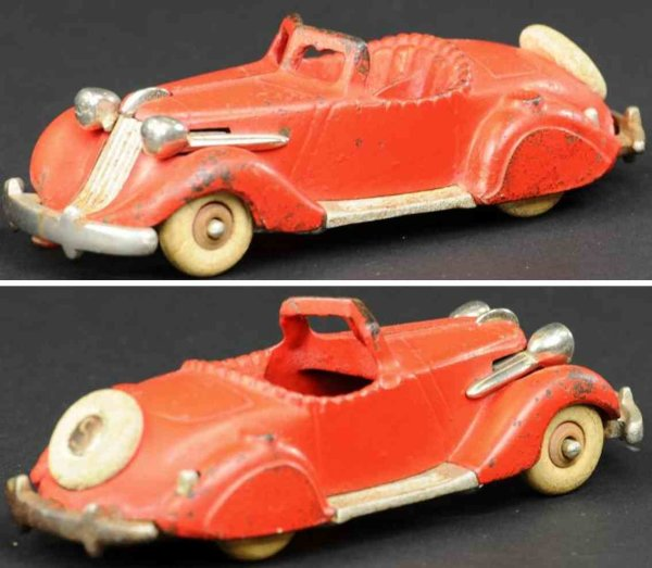 Hubley Cast-Iron Oldtimer Studebaker roadster made of cast iron, painted in red body,