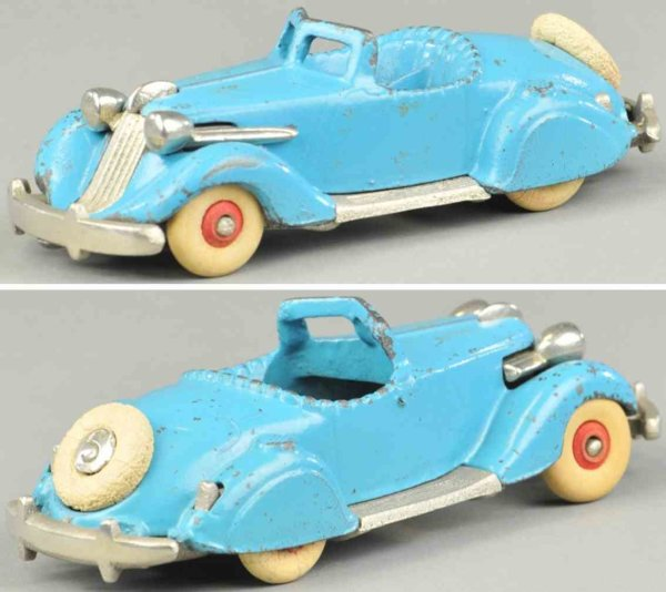 Hubley Cast-Iron Oldtimer Studebaker roadster, cast iron, painted in light blue body,