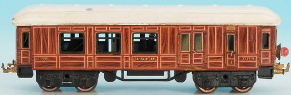 Bing Railway-Passenger Cars English passenger and baggage car #62/290 LNER with eight wh