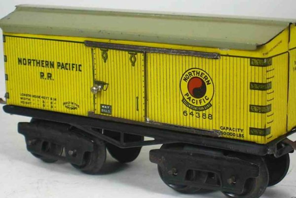 Ives Railway-Freight Wagons Box car 64 Northern (1922) with eight wheels, lithographed,