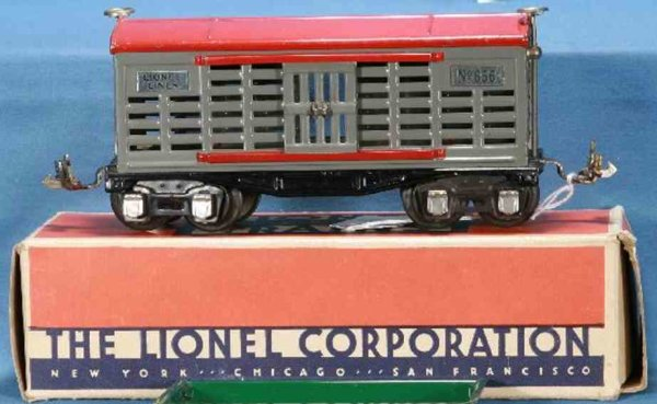 Lionel Railway-Freight Wagons Stock car #656.1 with eight wheels, made of metal in light g