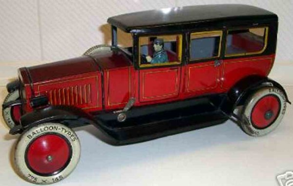 Distler Tin-Oldtimer Limousine #662 with clockwork, spare tires and battery chamb