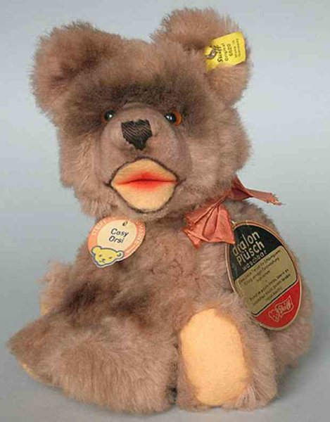 Steiff Baers Cosy Teddy 6620 from 1955 is one of the first DRALON animals