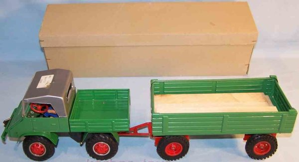 Tippco Tin-Unimogs Unimog with supporter and clockwork in green, the robust tru