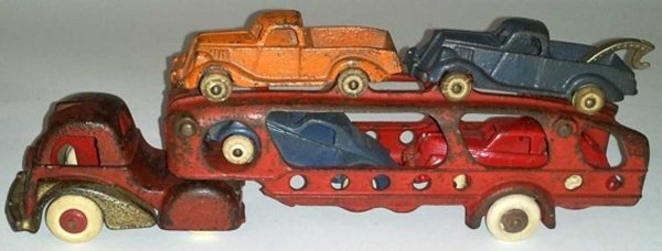 Hubley Cast-Iron trucks Transport truck with 4 3 1/2 cars, in this case with a Seda