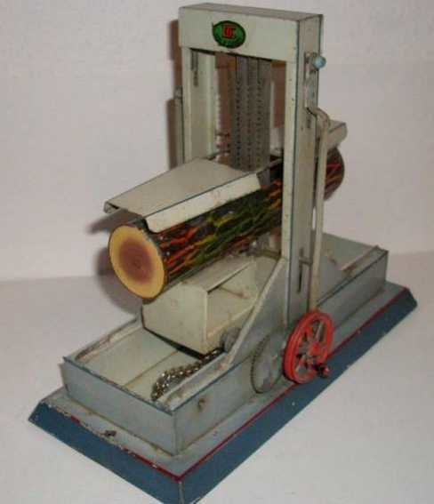Doll Steam Toys-Drive Models Gate saw No. 681, the sledge is moved above a chain