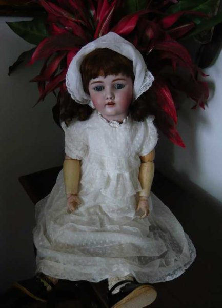 Handwerck Heinrich Dolls Porcelain doll with Schiller wig, marked 69 - 12X Germany,