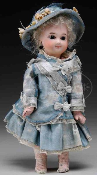 Jumeau Dolls Early unmarked bebe, nice cabinet size doll with head incise