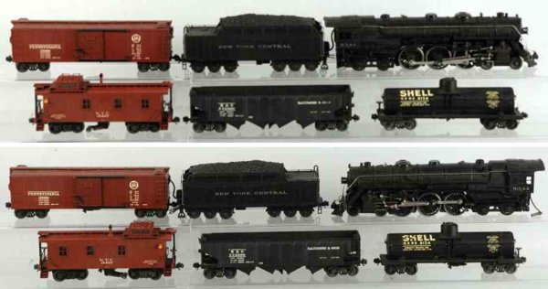 Lionel Railway-Trains Freight train set includes original Lionel board with plates
