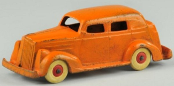 Williams AC Cast-Iron Oldtimer Packard Sedan, a scarce cast iron example, painted in orange