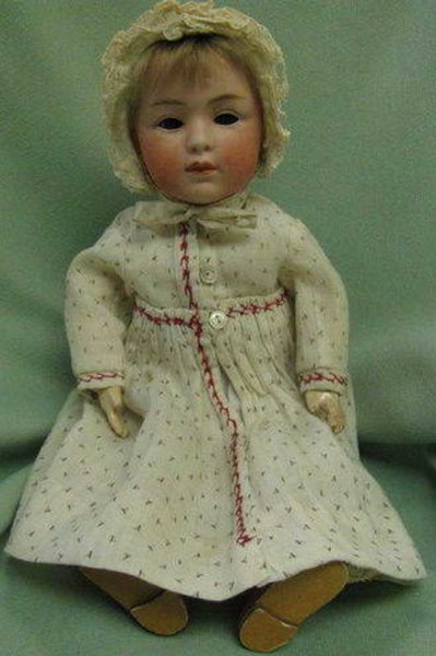 Heubach Gebr. Dolls Doll with bisque head, marked: 7407 (very faint) // 3 // Ge