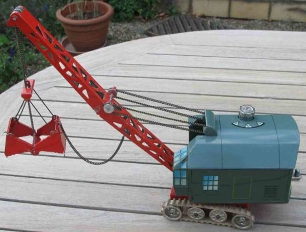 Biller Tin-Tugs/Rollers Digger in sound carrying out with grasping arm, the grab can