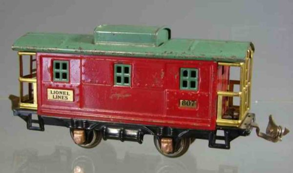 Lionel Railway-Freight Wagons Caboose with 4 wheels, red body and green roof