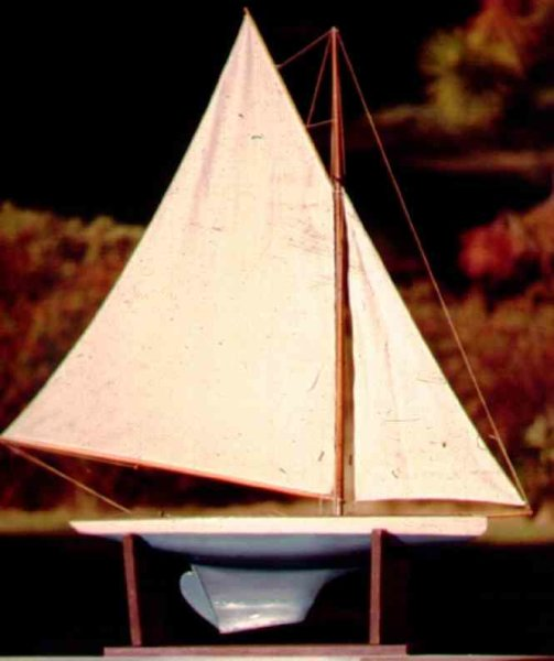 Ives Tin-Ships Jib and Mainsail type Model Yacht. This sailboat did not hav