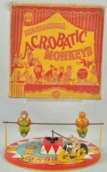 Wyandotte Tin-Figures Acrobatic monkeys made of lithographed tin with wind-up mech