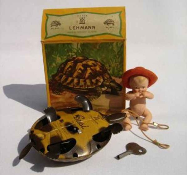 Lehmann Tin-Figures SUSI #827/IW a turtle with white celluloid baby and clockwor