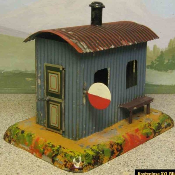 Maerklin Railway-Crossings/Warden houses Signalmans house #8296/3 on ground base, corrugated iron s