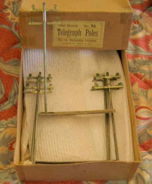 Ives Railway-Telegraph/-poles Set of telegraph poles with a 1 gauge set  and appear to hav