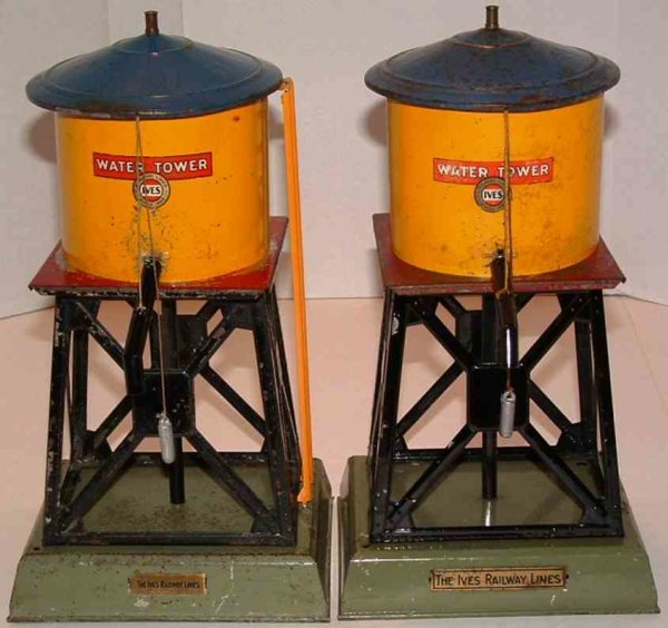 Ives Tin-Toys Water tower has the same base as a Linoel 738 signal tower,