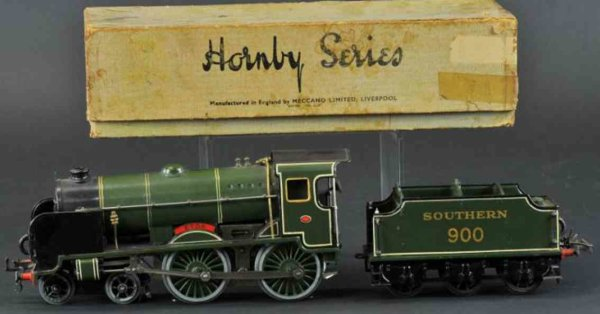 Hornby Railway-Locomotives Southern livery 4-4-0 TETON locomotive, painted in green w