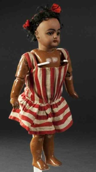 Simon & Halbig Dolls Mulatto doll, 949 mould, sleeping eyes, open mouth, fully jo