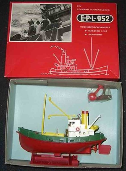 Lehmann Celluloid-Ships High sea steam trawler #952, marked Made in West Germany