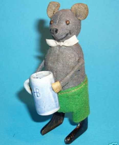 Schuco Tin-Dance Figures Caricature mouse with beer mug #965 and clockwork, gray velv