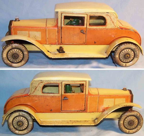 Tippco Tin-Oldtimer Coupé with driver figure, clockwork and electrical, made o t