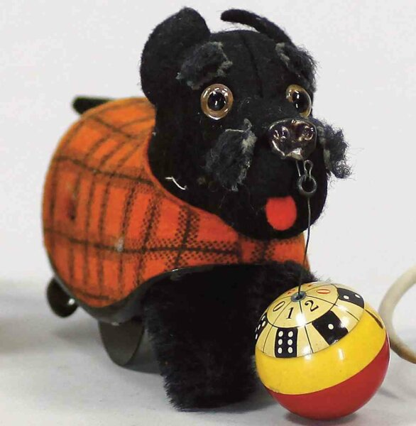 Schuco Tin-Animals Lucky dog TIPPY #990, terrier with clockwork, raised he trip