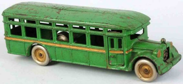 Arcade Cast-Iron buses Cast iron ACF bus in green, with Arcade decal on drivers
