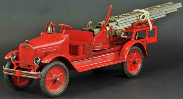 Buddy L Tin-Fire-Truck Aerial ladder truck made of pressed  steel, done in red over