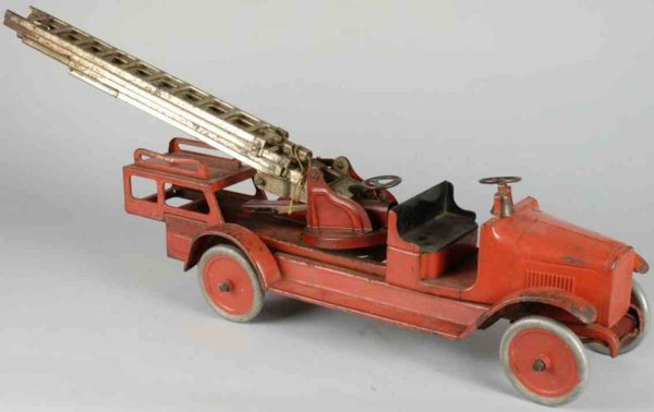Buddy L Tin-Fire-Truck Aerial ladder truck of pressed steel, with open front cab wi