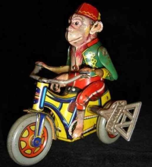 Distler Tin-Figures Monkey on tricycle with clockwork, the drive is in the tricy