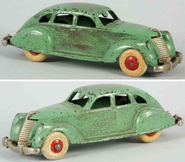 Hubley Cast-Iron Oldtimer Cast iron Air Flow coupe toy in green, stamped  Hubley und
