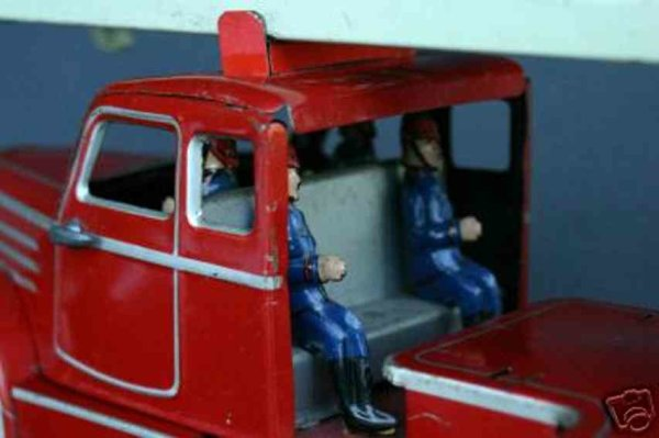 Guenthermann Tin-Fire-Truck Firetruck, tin lithographed in red and silver, with clockwor