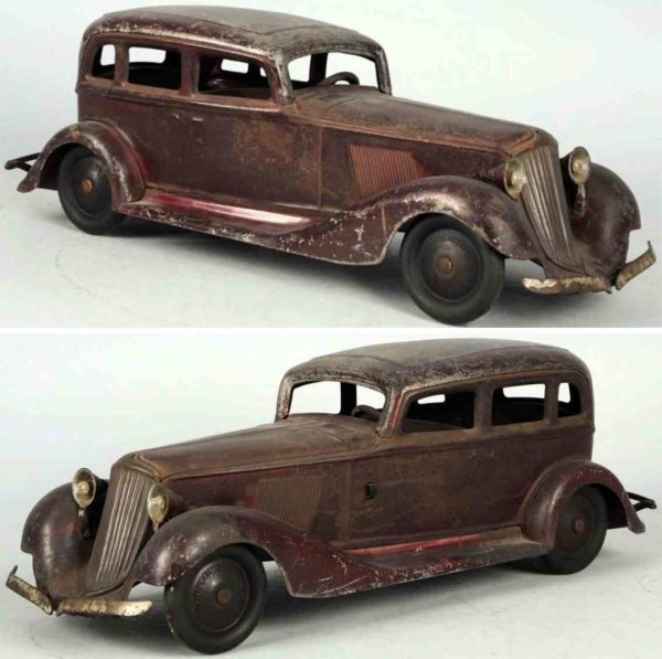 Cor-cor toy company Tin-Oldtimer Pressed steel automobile push toy, electric headlights opera